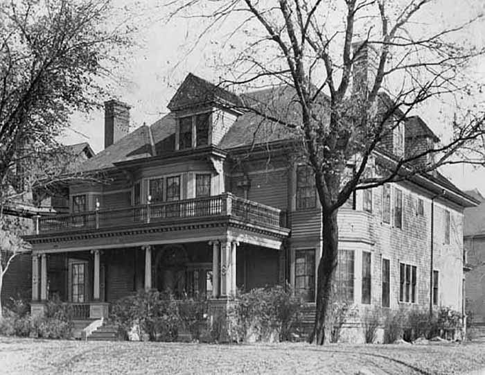 1932. Photo: MNHS (MR2.9-SP3.2d-p1)