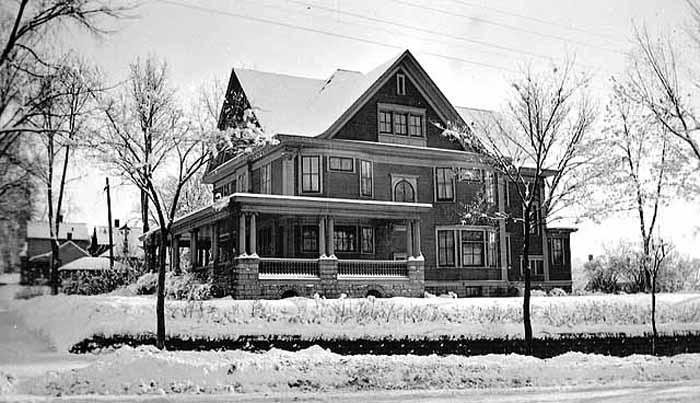 1910. Photo: MNHS (MR2.9-SP3.2c-p45)