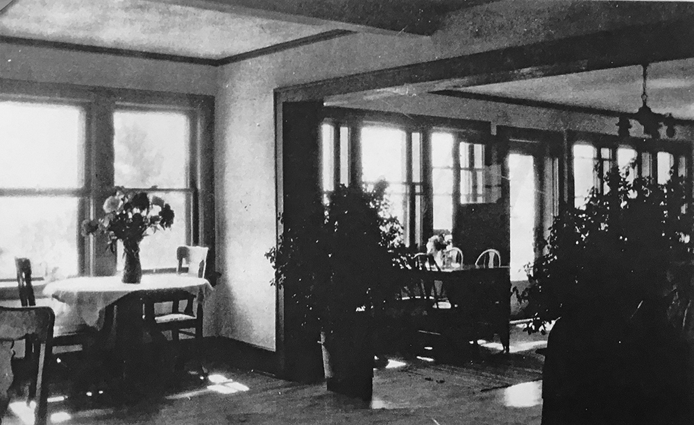 Little-Marais-Inn-Interior.jpg