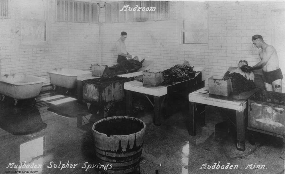 Mud room in 1910s. Scott County Historical Society.