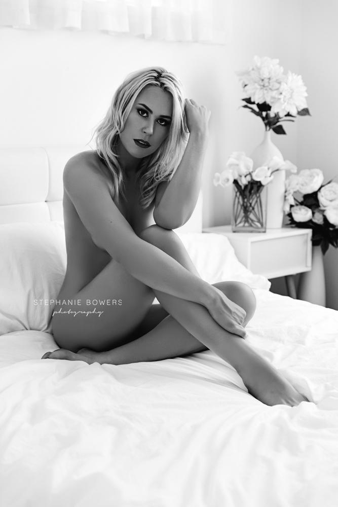 087e8-LauraBoudoir_37.jpg