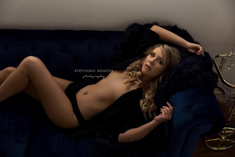 a73e6-KylieBoudoir_09.jpg