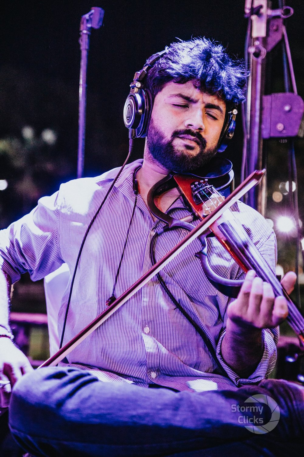 Anantha Raman hails from a Musician family and is the grandson of renowned Violin Vidwan Late V.K.Venkata Ramanujam Iyengar, son and disciple of equally reputed Hindustani Violinist Professor V.Balaji.  He has been awarded B Grade from A.I.R. Varanasi.