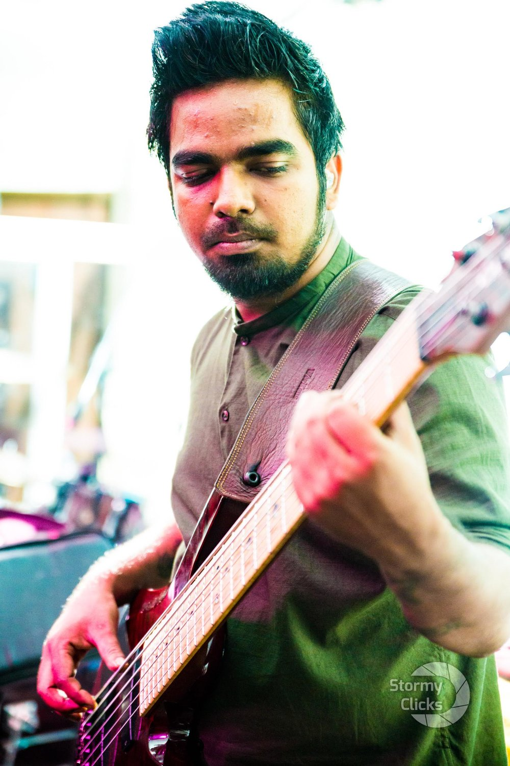 Bumon Kashyap is a self-taught basist from Assam who has been playing for 10 years is also an audio engineering professional.   He enjoys playing funk, rock, RnB, Jazz etc.