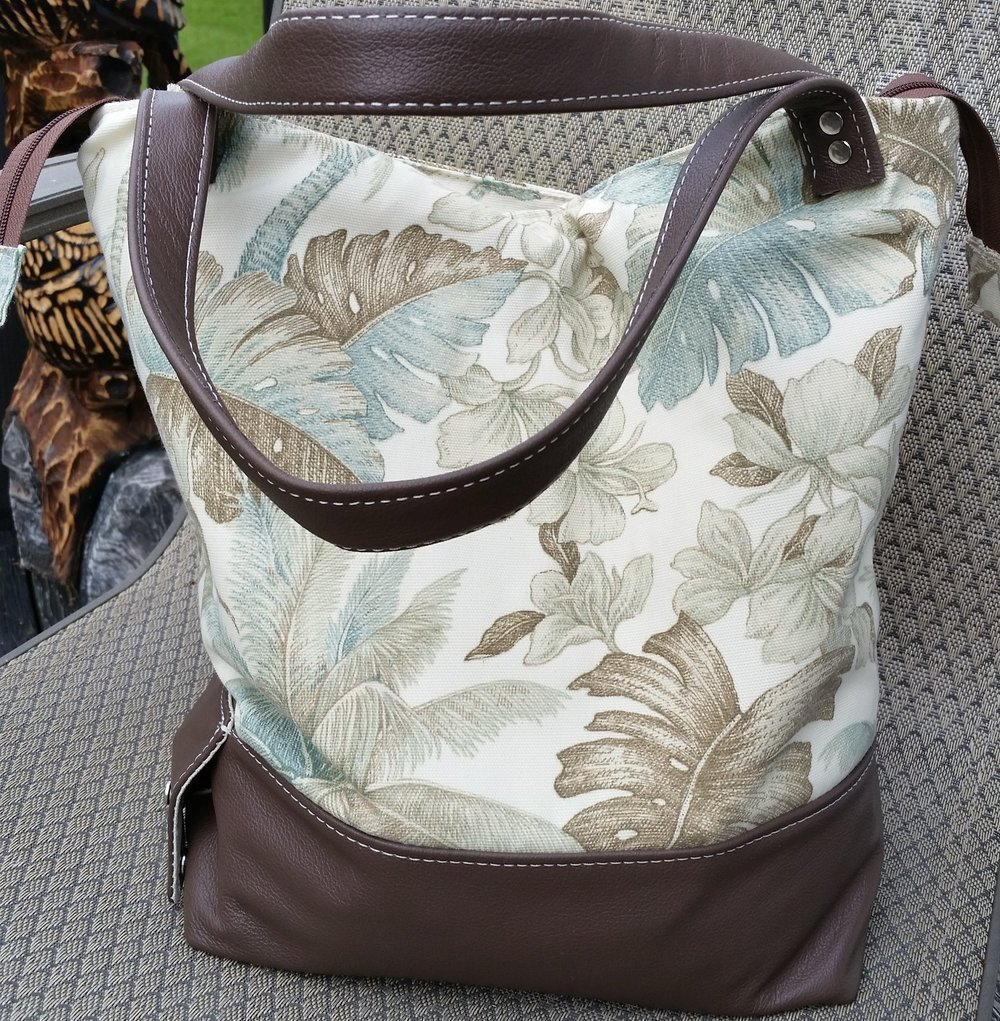 The Party Tote -