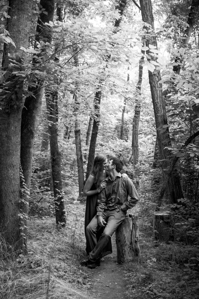 woodsy engagement-4.jpg