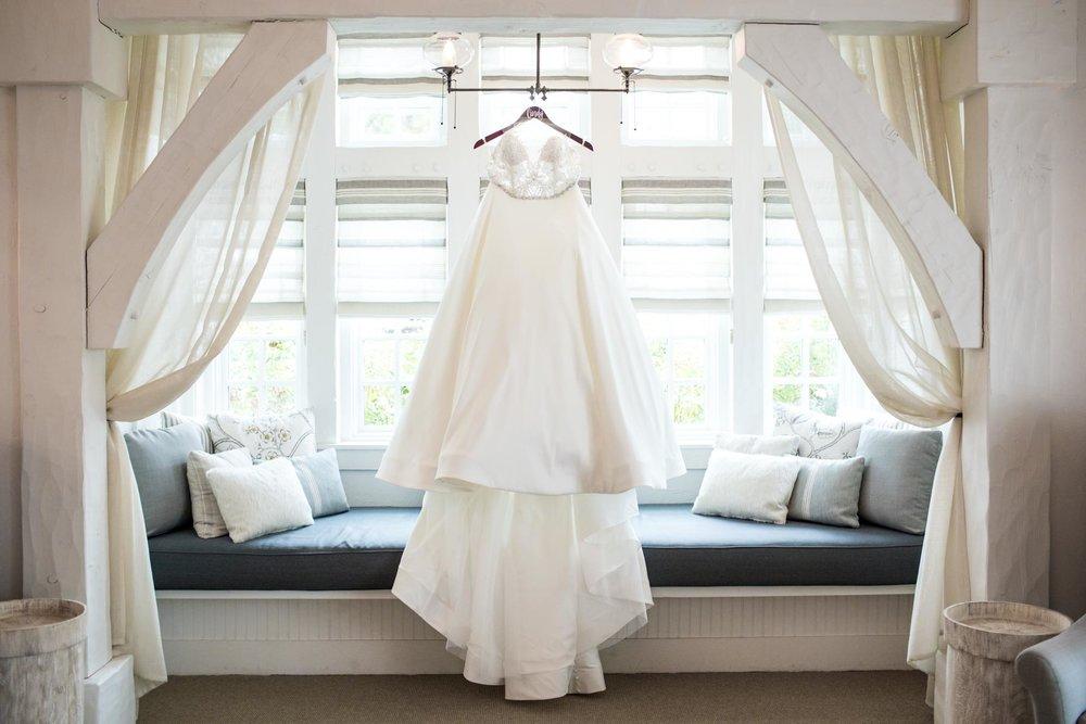 wedding dress hanging-1.jpg