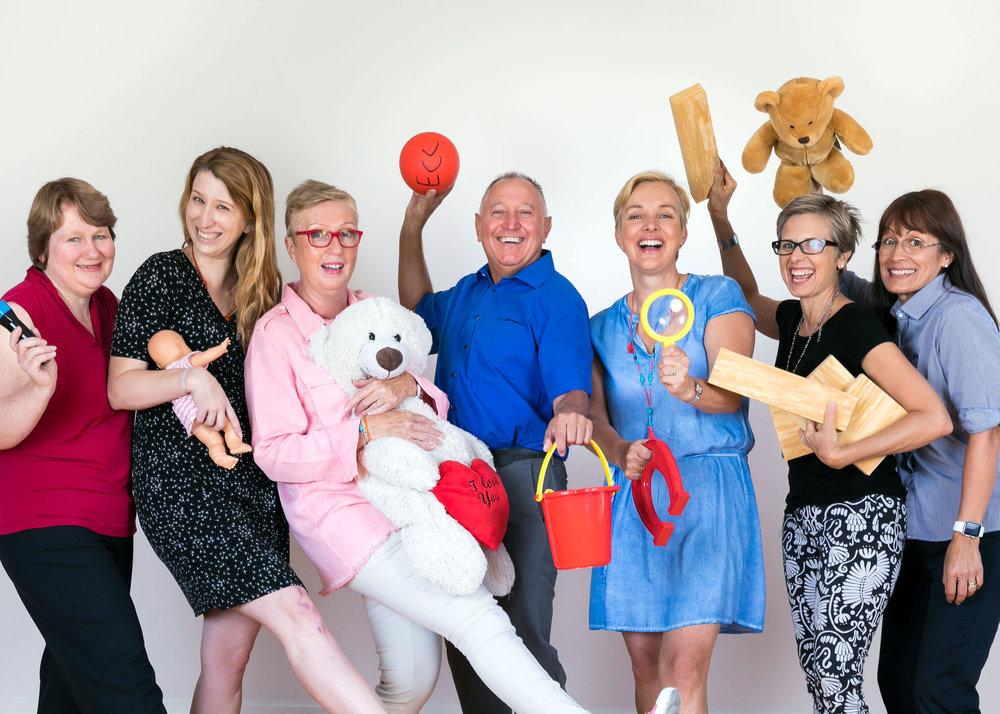 De gauche à droite: Patricia, Tara, Kim, John, Birgitta, Lisa & Adriana.