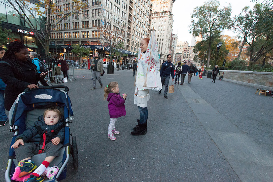 memory-replacement-election-day-performance-union-square-new-york-by-mirena-rhee_23