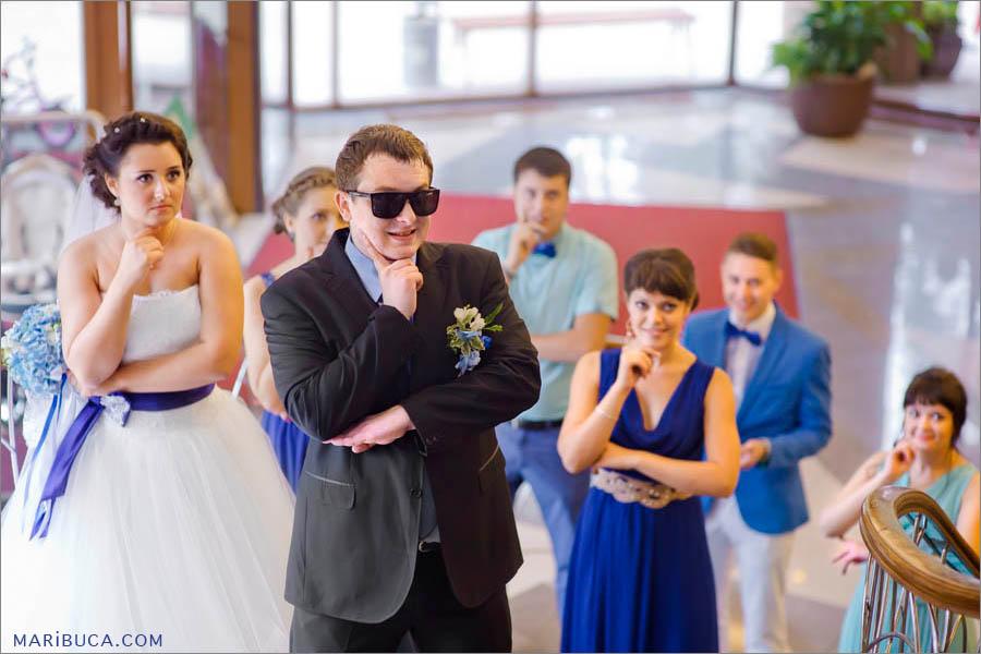 Groom, bride and wedding party are dancing in the Marriott, Santa Clara