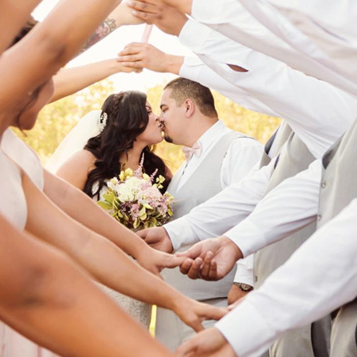 42-wedding-kiss-bridal-party-san-jose-rose-garden.png