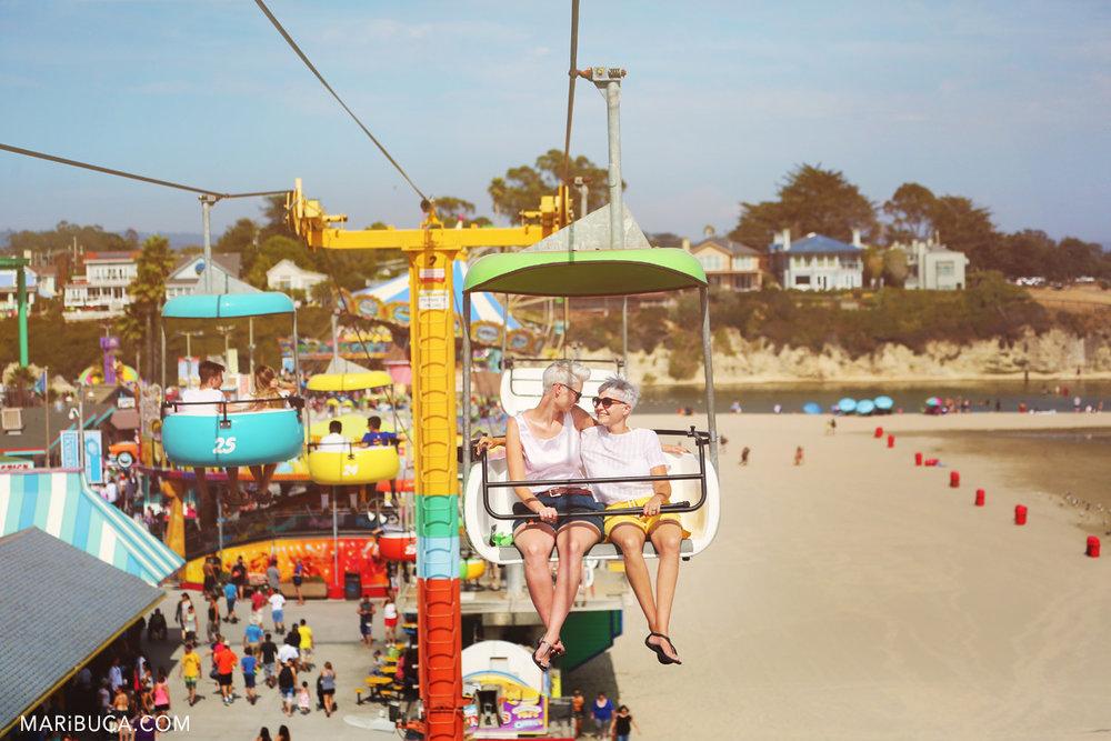301-santa-cruze-entertainment-park-same-sex-couple.jpg