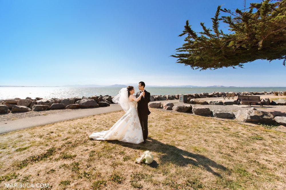 78_77-first-dance-outside-wedding-san-francisco-2.jpg