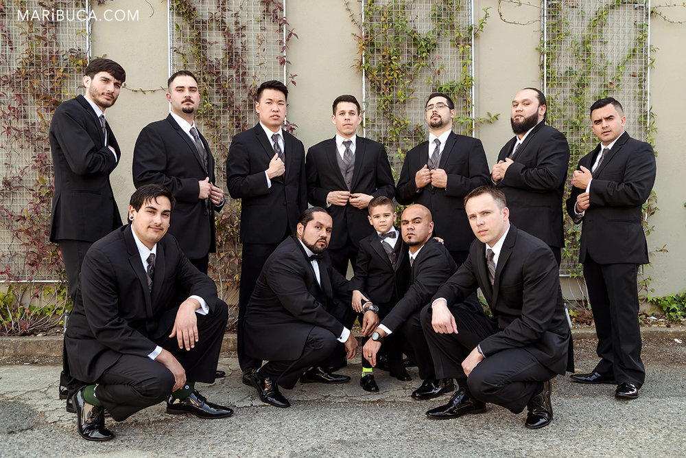 Be cool and confident in the photo session groomsmen party in the villa ragusa campbell