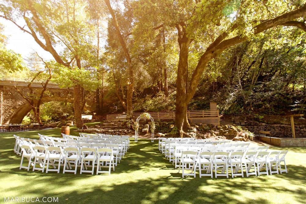 Decoration the wedding ceremony in the Saratoga Springs Venue
