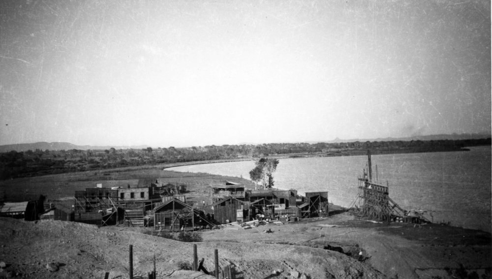 Another behind-the-scenes shot from  The Big Trail  (1930) set in Yuma, Arizona. Photo courtesy of Mrs. Hazel Balinger from  The Lapidary Journal .