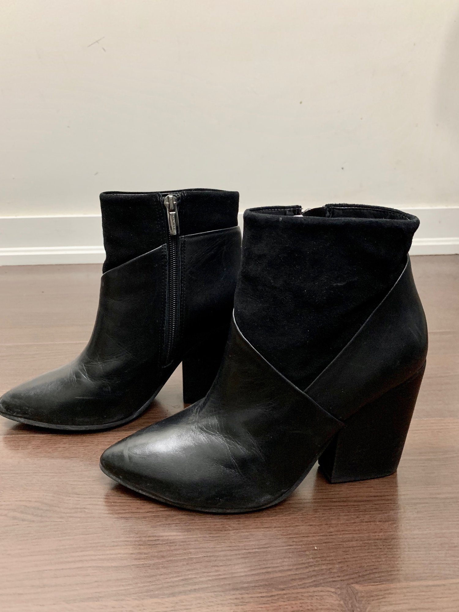 ff8e4e40645 Vince Camuto Black Leather Boots — Effortless