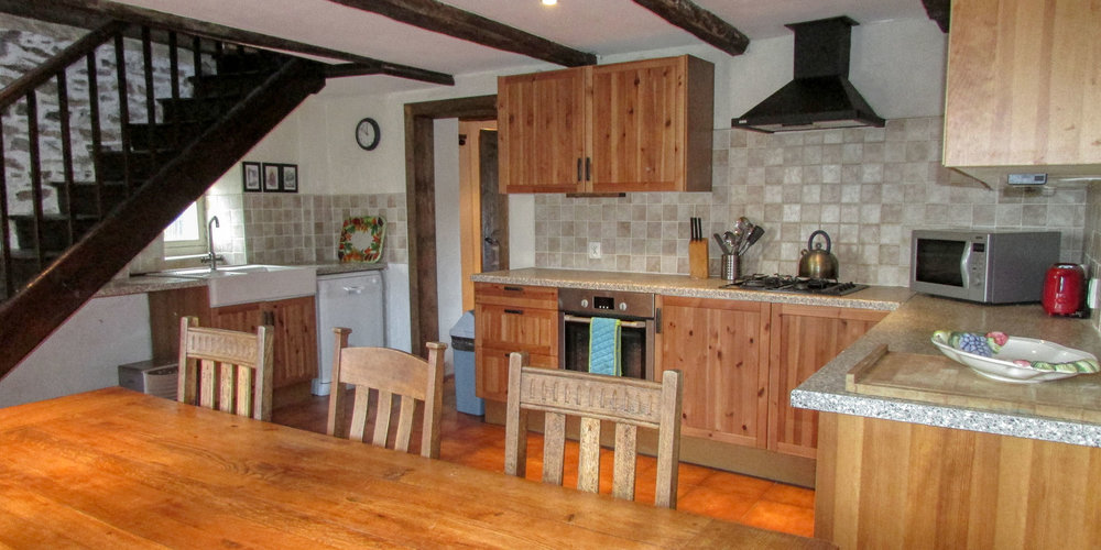 Tournesol's kitchen manages to be rustic with a modern feel and is well equipped.
