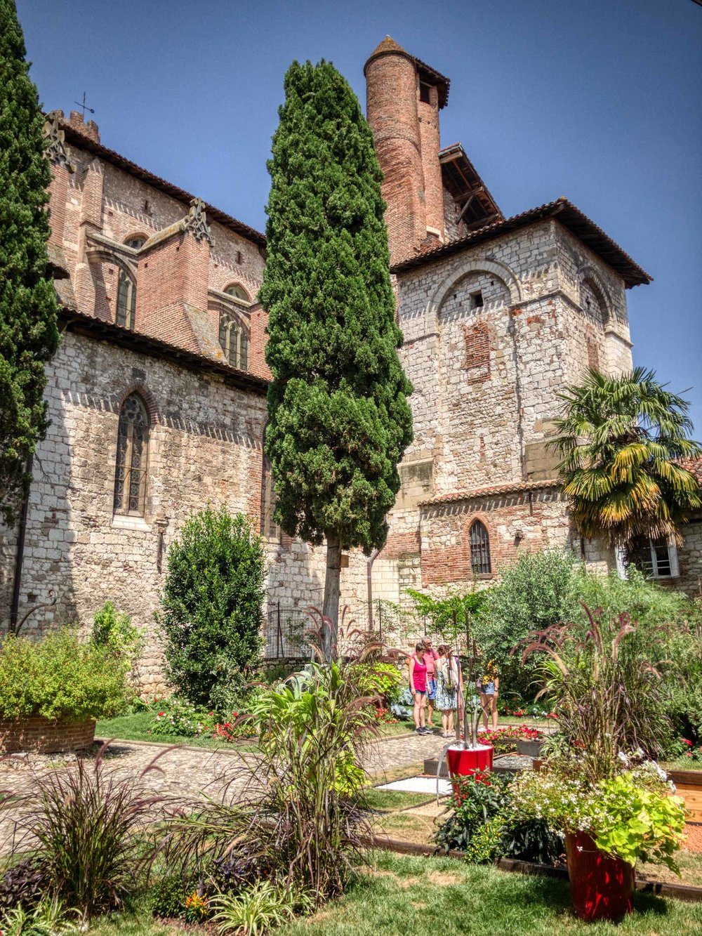 Garden at Collégiale Saint-Salvi, Albi
