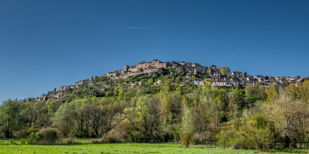 Cordes-sur-Ciel from below