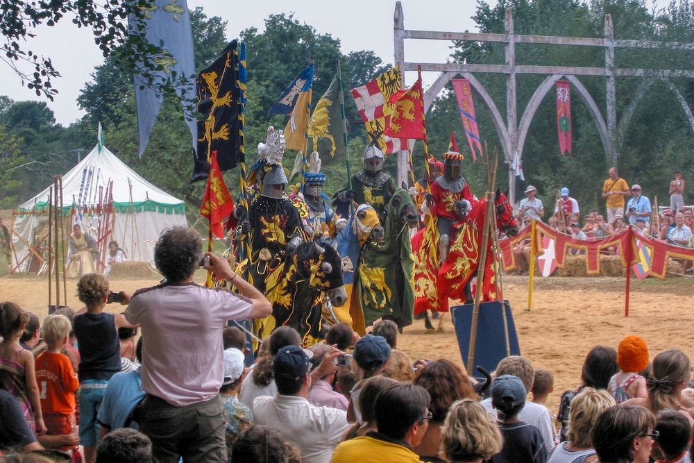Medieval entertainment in Cordes-sur-Ciel