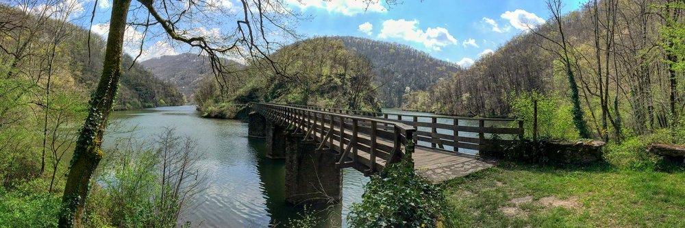 Bridge over the Viaur river near Las Planques