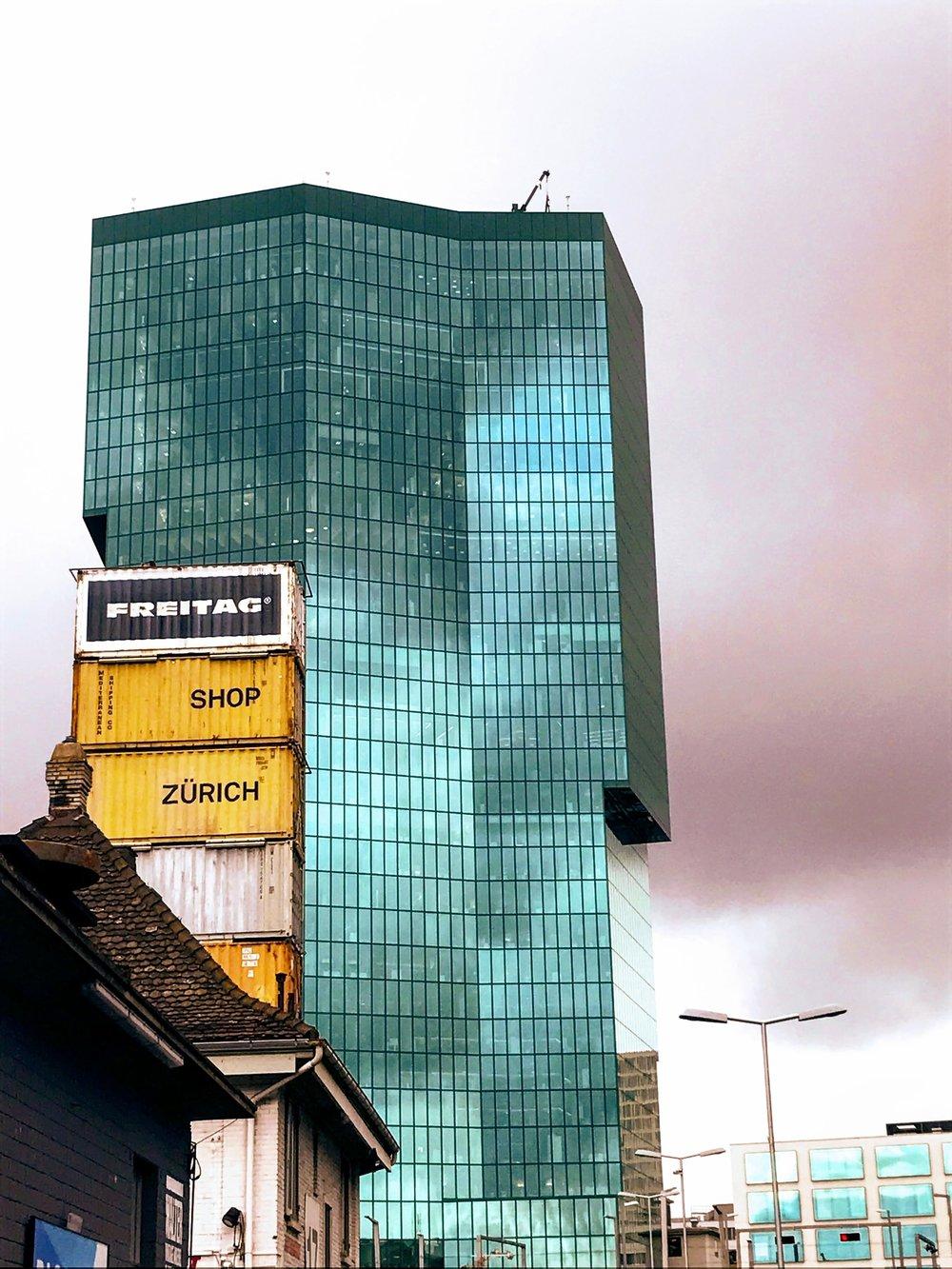 Prime Tower in Zuri-West Kreiss 5