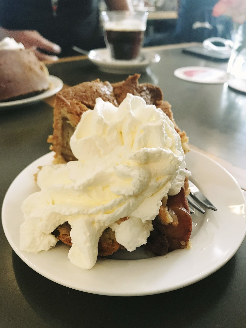 Apple pie at De Winkel