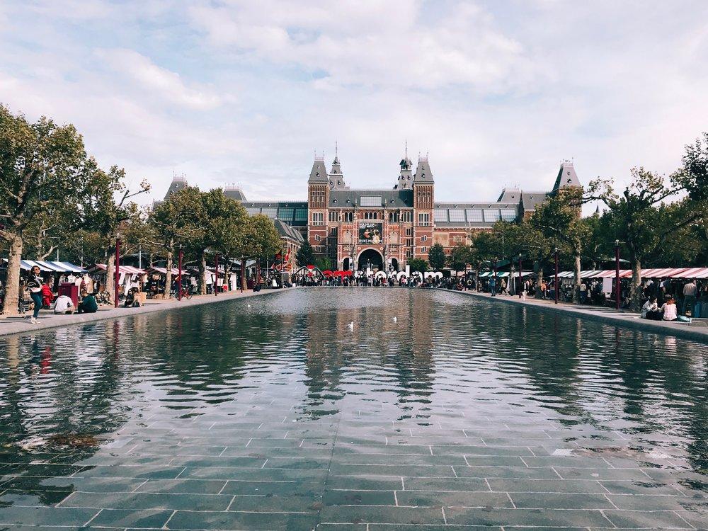 Museum market and Rijksmuseum in Amsterdam.jpg
