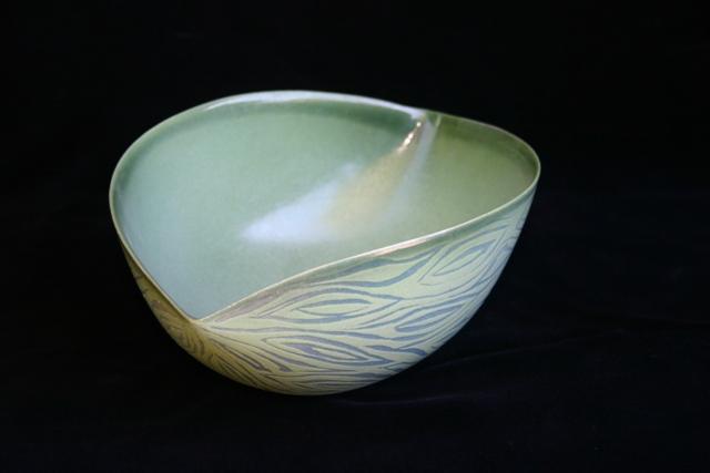 Jenny Morten - Twisting Bowl