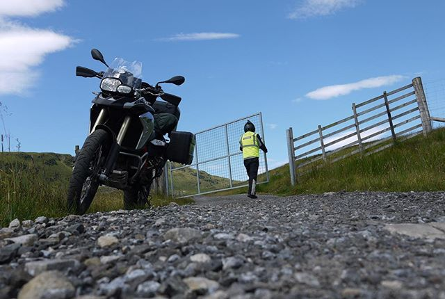 There can't be many public roads with gates on them. Or public roads with such deep potholes but turn left at the top of Glen Lyon and you're in for a rare treat. And it'll test your fillings at the same time! . . . #motorcyclistsguidetoscotland  #glenlyon #motorbikelife #visitscotland #tourscotland