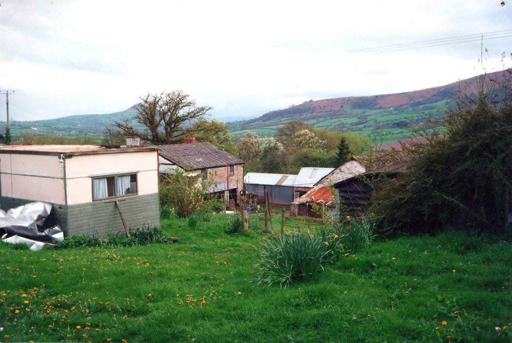House from road April 2000.jpg