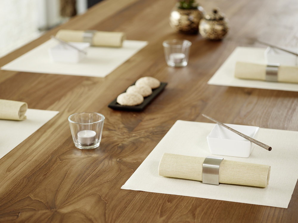 Lifestyle_placemat with napkin_champagne with ochre.jpg