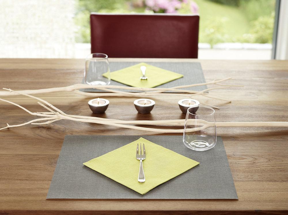 Lifestyle_placemat with napkin_dark grey and kiwi.jpg