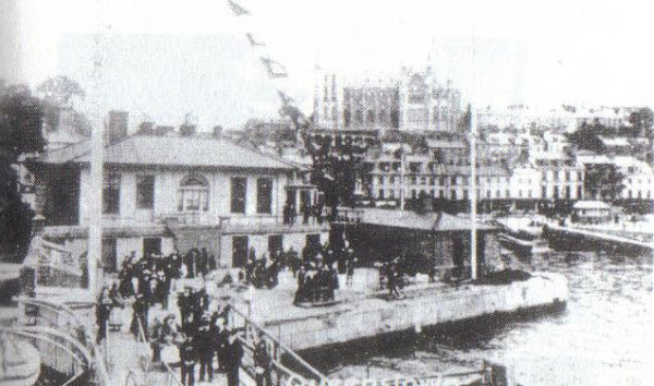 3rd_class_passengers_at_scotts_quay_queenstown_ready_to_board_tender_for_titanic