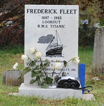 titanic-survivor-stories-frederick-fleet-grave2