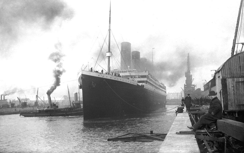 1280px-Titanic_in_Southampton