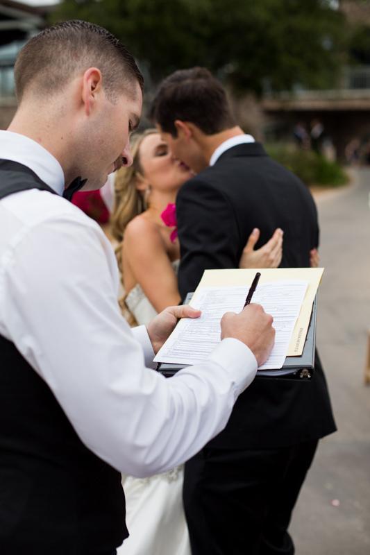 SanDiego-Wedding-LindsayJoey-050.jpg