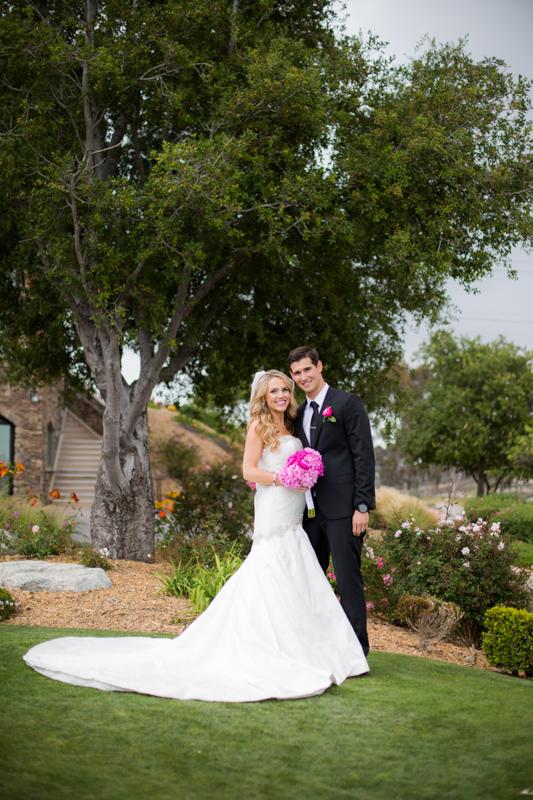 SanDiego-Wedding-LindsayJoey-057.jpg