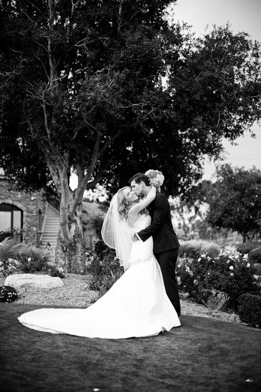 SanDiego-Wedding-LindsayJoey-058.jpg