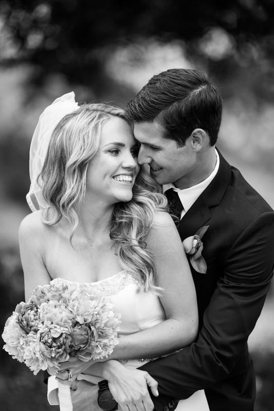 SanDiego-Wedding-LindsayJoey-059.jpg