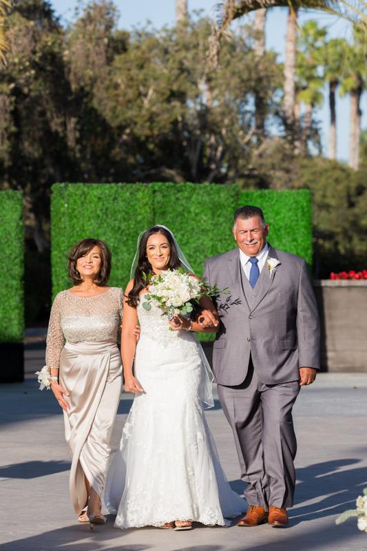 SanDiego-Wedding-JohnnaNic-020.jpg