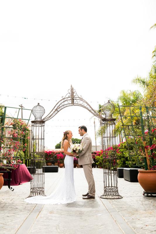 SanDiego-Wedding-JessicaKyle-013.jpg