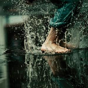 http://iclaud.wordpress.com/2009/06/22/splashing-in-puddles/