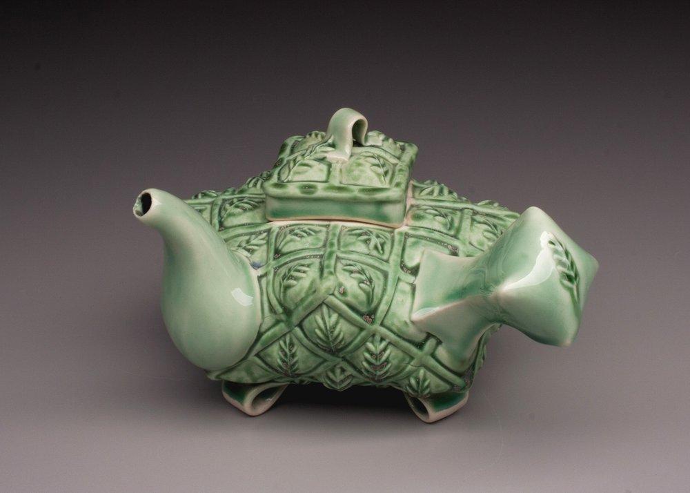 Bohls+Green+Leaf+Teapot+with+Side+Handle.jpg