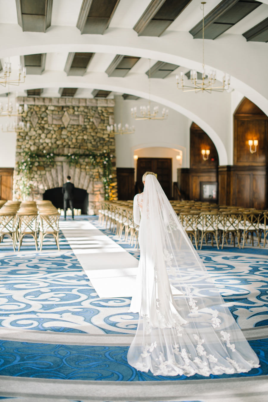 Beautiful Winter Wedding at Fairmont Chateau Lake Louse