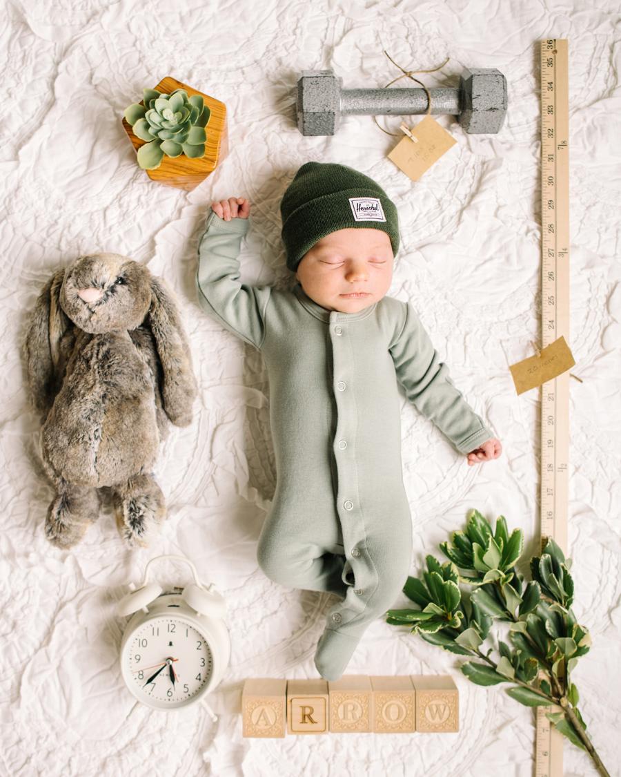 Newborn lifestyly session Calgary