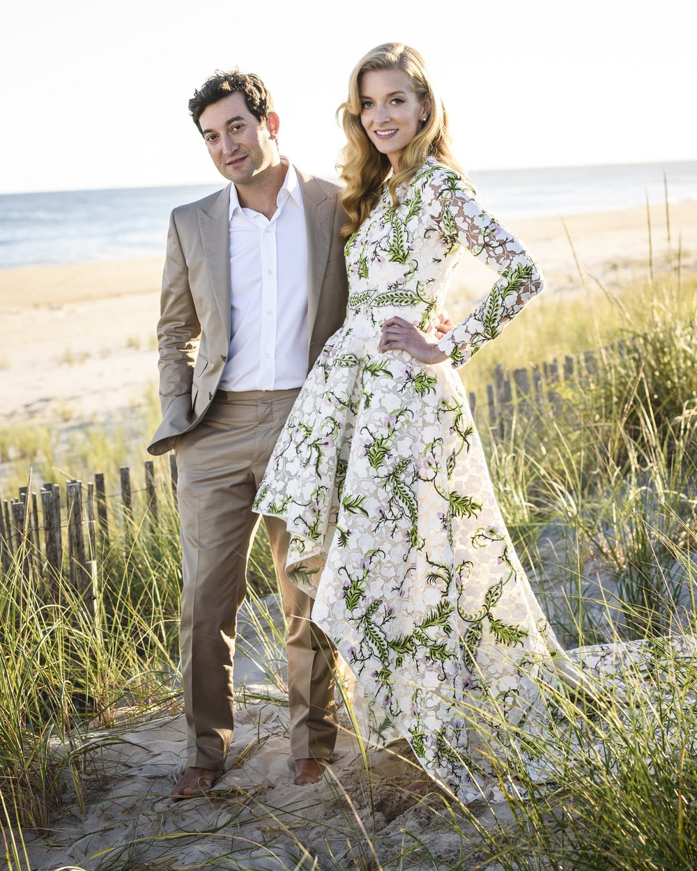 Talia & Jon    PRIVATE ESTATE    HAMPTONS      image by Hannah Thompson    SEE MORE >