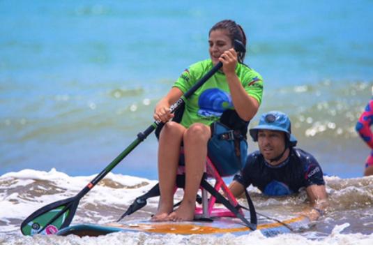 MAIKEL  Especialista en SUP Y SURF ADAPTADO.