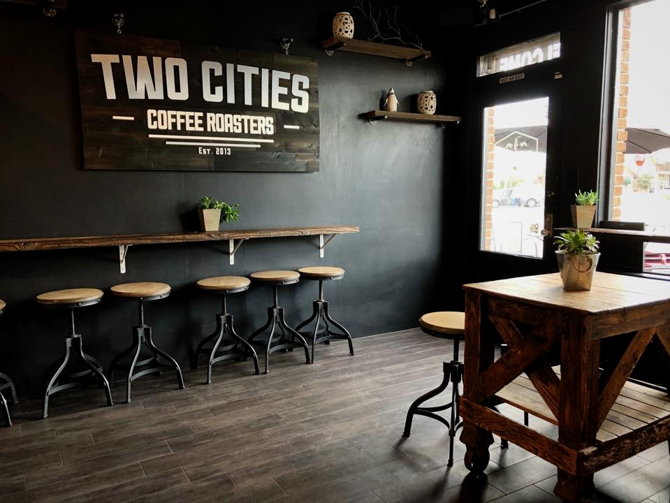 Two Cities Coffee&Rolled Ice creamery -